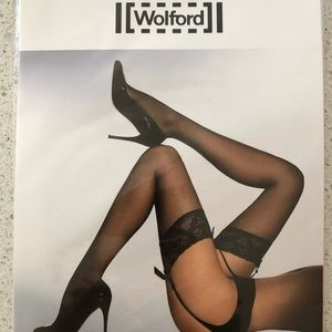 Wolford NWT Affaire 10 stockings cosmetic Medium